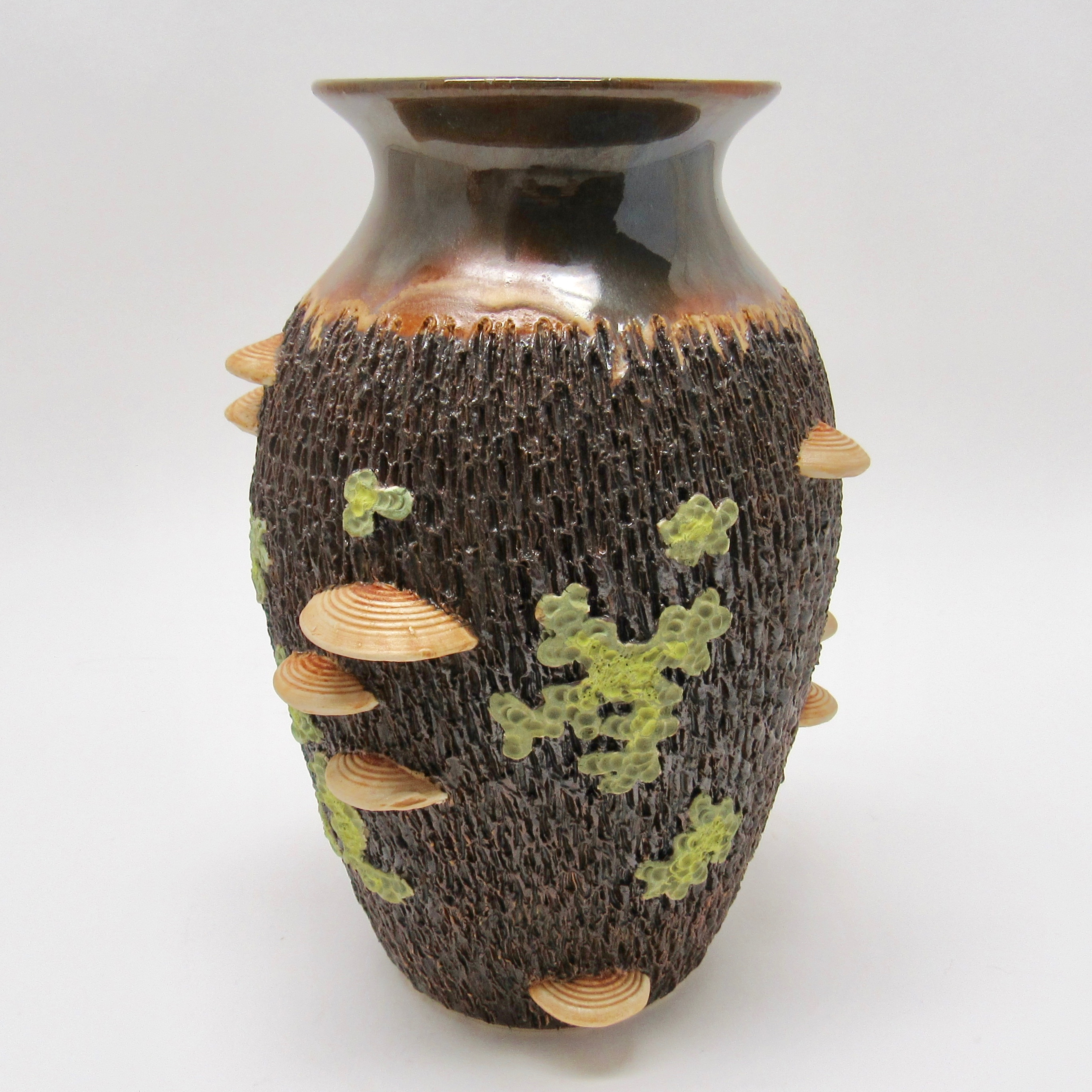 Potter Richard Roth has incredible work that is textural and looks like bark, mushrooms and lichen. Available at the Littleton League Gallery in the white mountains of NH or online. Home Decor , Wedding gifts